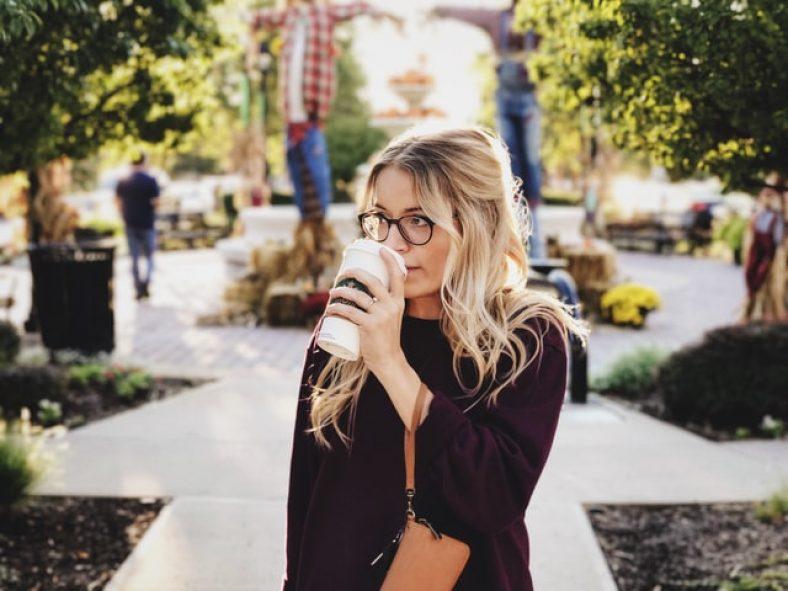 encontrar a mujer relacion seria